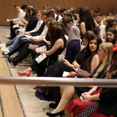eko-laatzen-erich-kaestner-oberschule-verabschiedet-71-absolventen-31.jpg