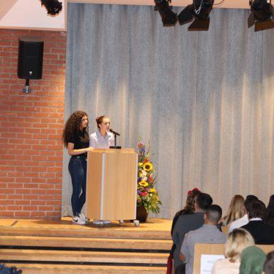 eko-laatzen-erich-kaestner-oberschule-verabschiedet-71-absolventen-33.jpg