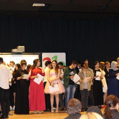 eko-laatzen-erich-kaestner-oberschule-verabschiedet-71-absolventen-47.jpg