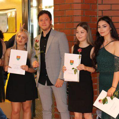 eko-laatzen-erich-kaestner-oberschule-verabschiedet-71-absolventen-67.jpg